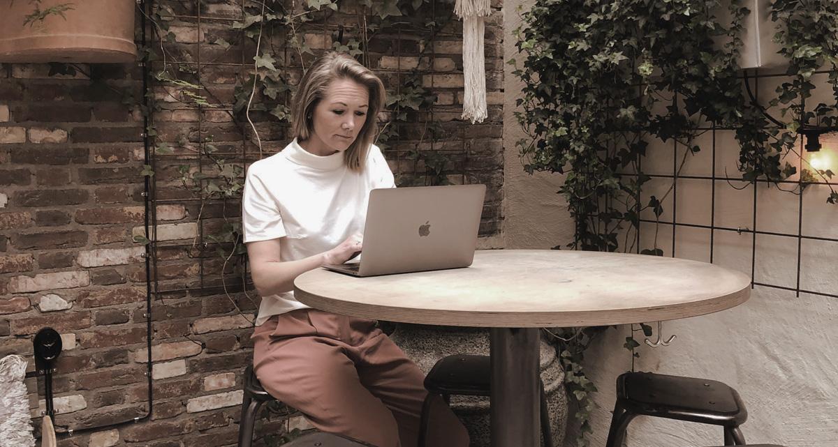 Charlotte Schéle arbetar med affärsutveckling genom Public Relations